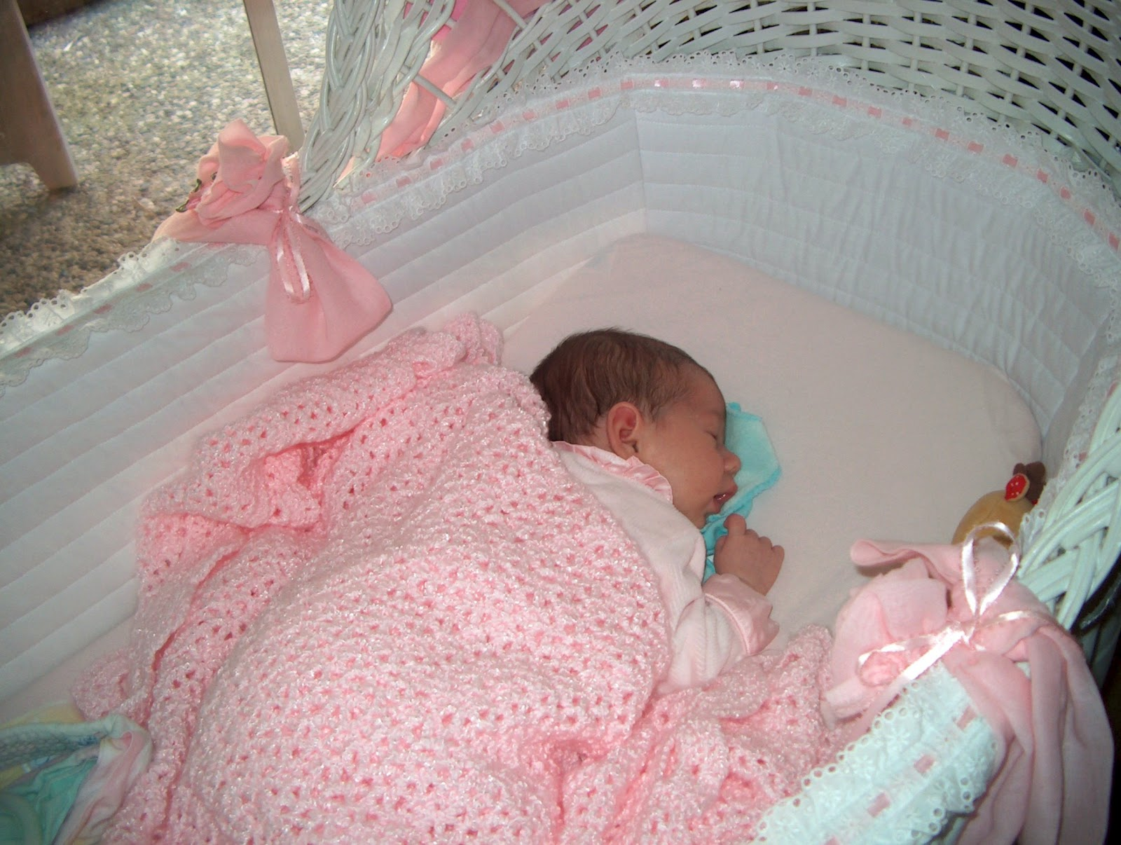 When Do Babies Start Sleeping In Bed Not Crib
